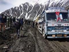 जवानों ने श्रीनगर से लेह को जोड़ने वाली सड़क को समय से पहले खोल दिया