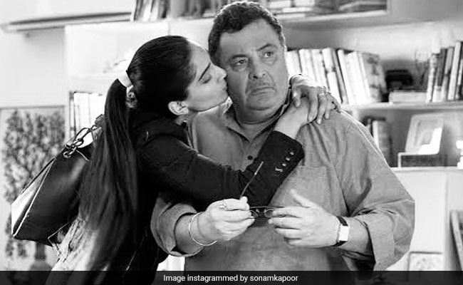 Rishi Kapoor Will Always Be 'Chintu Uncle' For Sonam Kapoor, Twinkle Khanna And Others