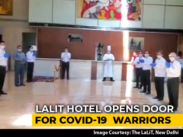 Video : Watch: 5-Star Hotel Staff's Big Welcome For Doctors Fighting COVID-19