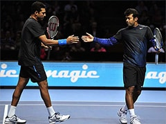 "Watch: Leander Paes Gives ""Frying Pan Challenge"" With No Look, Mahesh Bhupathi Finds It Too Difficult"