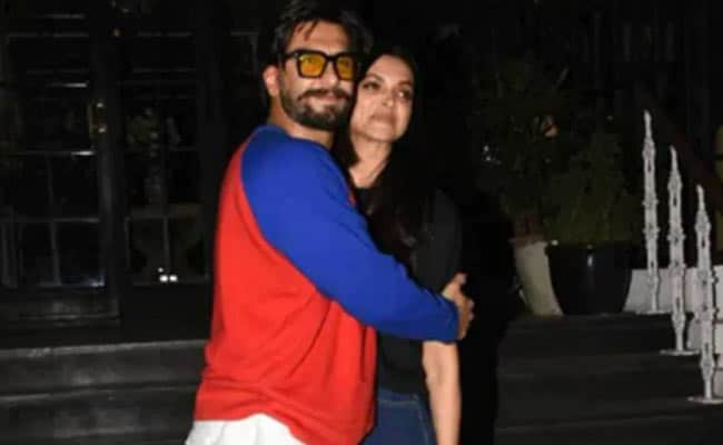 Deepika Padukone's Eureka Moment On Ranveer Singh's Sleep Habits