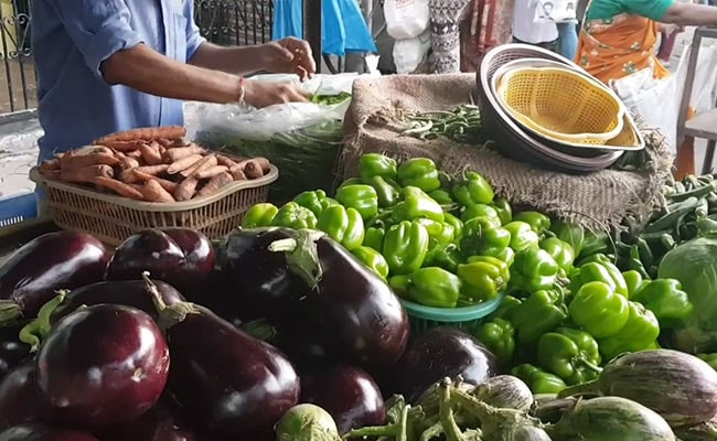 Coronavirus: Rajasthan Magician Sells Vegetables To Survive The Lockdown