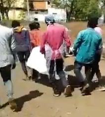 Lockdown: पुलिस ने बाजार में किया लाठी चार्ज, बुजुर्ग की मौत; पोस्ट मार्टम रिपोर्ट बदलवाने की कोशिश
