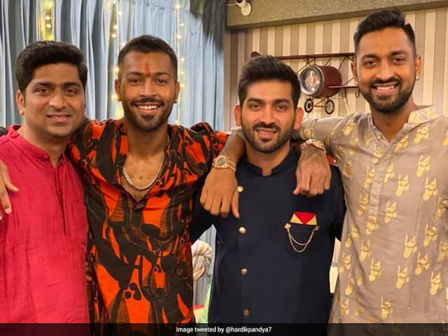 """Best In The World"": Hardik Pandya Tweets Siblings Day Photo With Krunal, Cousins"