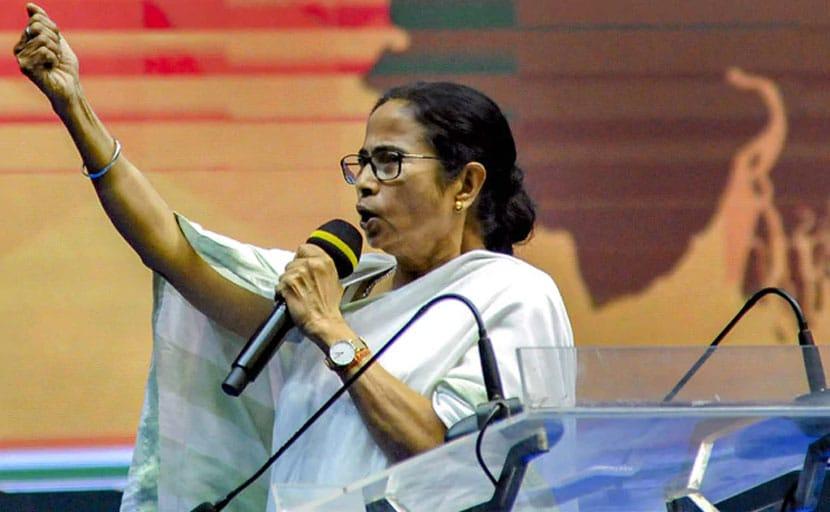 कोलकाता के सिनेमाघरों में सौ फीसदी दर्शकों के बैठने की इजाजत : ममता बनर्जी