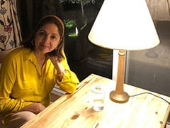"Neena Gupta's Hairband Makes Her Look ""Like A College Girl,"" Say Fans"