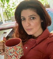 Twinkle Khanna, Whose Leg Is In A Cast, Has Reached 'Breaking Point'