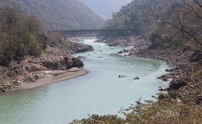 Cops Order 'Cave-Dwelling' Foreign Tourists Into Quarantine In Rishikesh