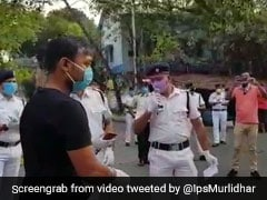 Kolkata Cops Sing ''We Shall Overcome'' To Cheer People Amid Lockdown