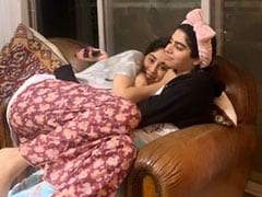 Janhvi Kapoor Baked A Cake For Khushi Kapoor. Her Reaction Is Priceless