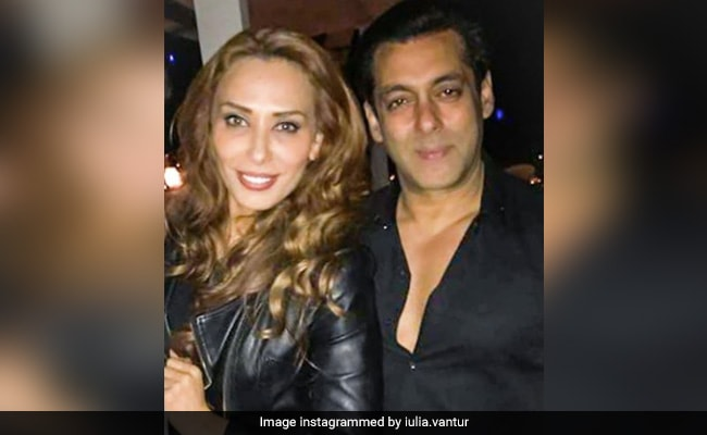Salman Khan Currently In Panvel Farmhouse Accidentally Interrupts Rumoured Girlfriend Iulia Vantur S Video