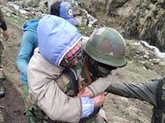 कोरोनावायरस लॉकडाउन के बीच घर पहुंचने के लिए उठाया जोखिम, कश्मीर में बर्फ में फंस गए युवक, तीन की मौत
