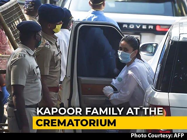 Video : Rishi Kapoor's Funeral: Family, Alia Bhatt, Anil Ambani, Abhishek Bachchan Attend