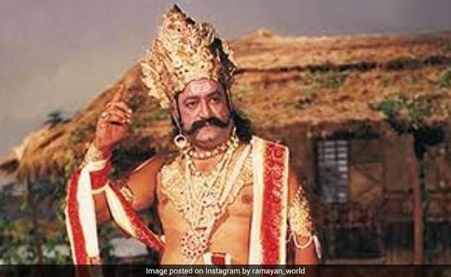 Viral: 81-Year-Old Arvind Trivedi, Who Played Ravan, Watching The Sita Haran  Scene In Ramayan