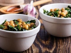 High Protein Diet: This Chickpea And Spinach Salad Is A Fresh And Hearty Fare You Shouldn't Miss