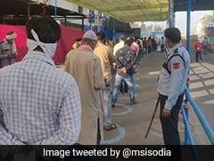 """""""Social Distancing At Azadpur <i>Mandi</i>"""": Delhi Minister Tweets Pictures"""