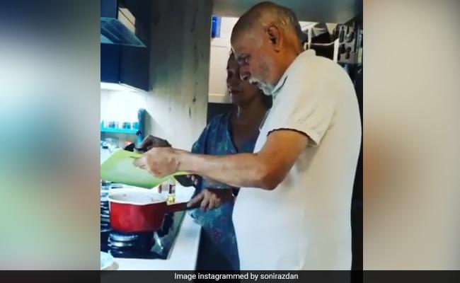 Alia Bhatt's Reaction To Parents Mahesh Bhatt And Soni Razdan's Cooking Post