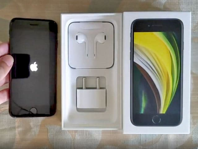 Video : iPhone SE (2020) Unboxing: iPhone 11 Pro Power At OnePlus 8 Price