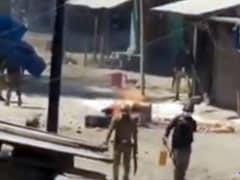 कैमरे में कैद हुए J&K में दुकानों-घरों में तोड़फोड़ करते पुलिसवाले, आला अधिकारी ने मांगी रिपोर्ट