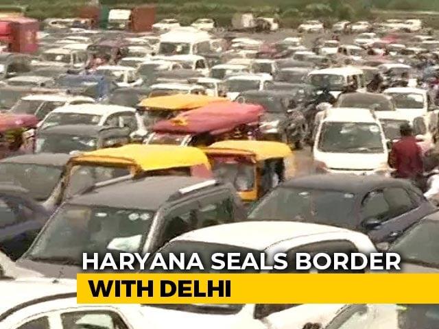 Video: Delhi-Gurgaon Border Shut, Hundreds Of Pedestrians Protest, Traffic Chaos