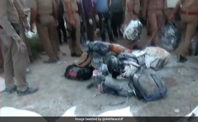 यूपी के औरेया में बड़ा हादसा: दो ट्रकों के बीच भीषण टक्कर, 24 प्रवासी मजदूरों की मौत, कई घायल