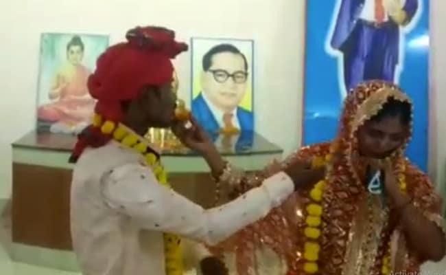 Coronavirus के बीच कानपुर में 'एक विवाह ऐसा भी' : खाना बांट रहे युवक को भीख मांग रही लड़की से हुआ प्यार