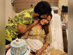"""When A """"Questionably Dressed"""" Shahid Kapoor Hosted A Cool Birthday Party For Mira Rajput At The Hospital"""