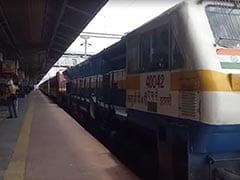 अमृतसर से गोंडा जा रही स्पेशल ट्रेन से कूदे 5 मजदूर, पुलिस ने पकड़कर भेज दिया क्वारंटीन सेंटर