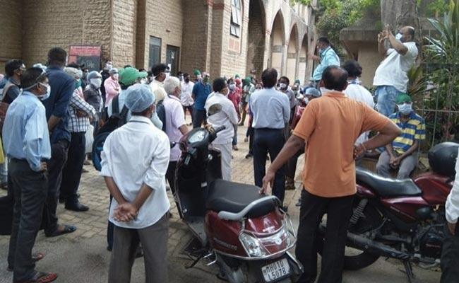 Get Back To Work Or...: Mumbai Hospitals' Nurses, Ward Boys Put On Notice