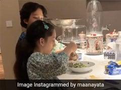 संजय दत्त के बच्चे लॉकडाउन में बन गए शेफ, फिर किचन पर कब्जा कर बनाई ये डिश- देखें Cooking Video