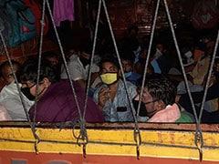 Lockdown: ट्रक पर लिखा था अति आवश्यक औषधि सेवा, जांच की तो निकले 33 मजदूर! ड्राइवर गिरफ्तार