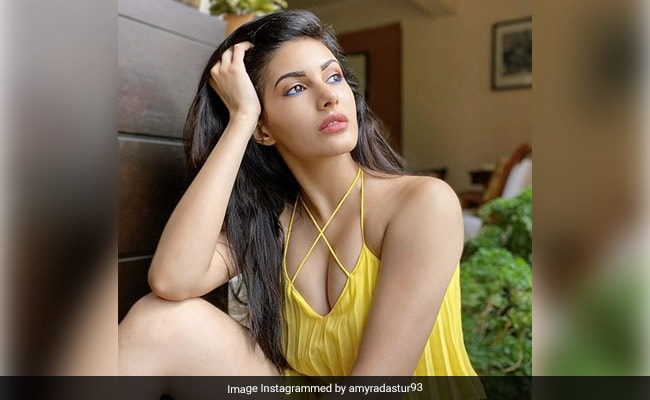 In Pics: Amyra Dastur's Instagram Is A Thing Of Beauty