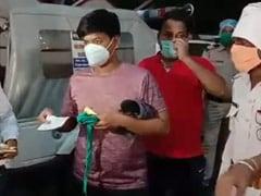 Coronavirus lockdown: एमपी बीजेपी नेता के बेटे ने पुलिस के साथ की दबंगई, बाद में बाप ने बेटे को धमकाकर पहनाया मास्क