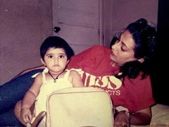 Tiny Sonam Kapoor With Mom Sunita In This Million-Dollar Throwback Pic
