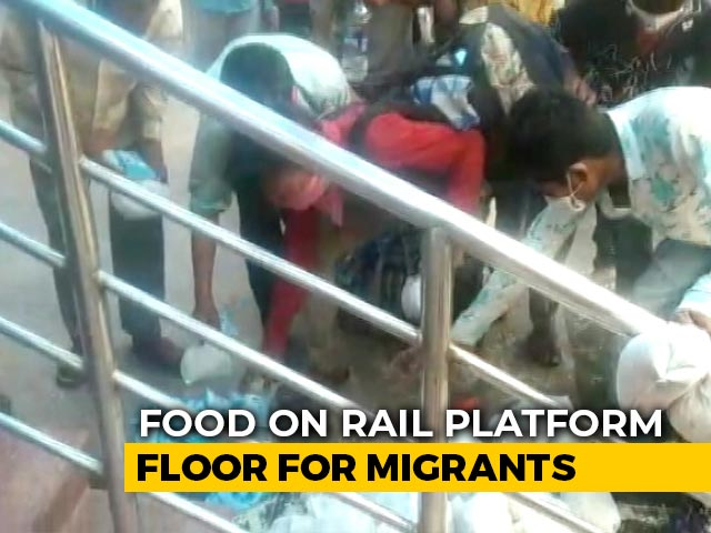 Video : Video Shows Migrants Grabbing Food, Water Packets Off Bihar Station Floor