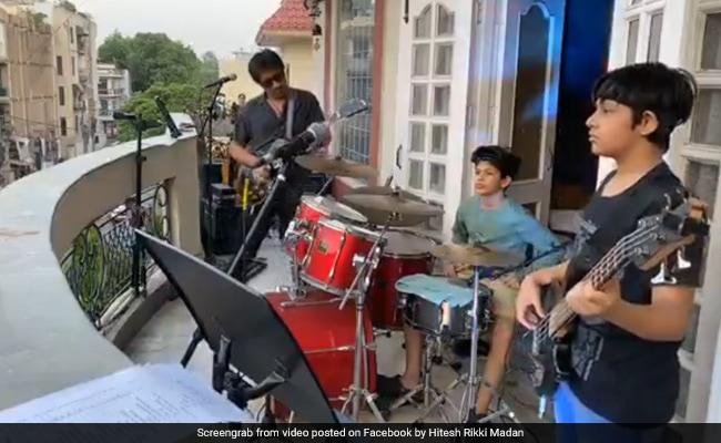 Delhi Couple's 'Balcony Concert' Helps Neighbours Beat Lockdown Blues