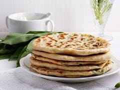<i>Achaar Ka Paratha</i>, Not <i>Paratha</i> With <i>Achaar</i> - Here's How You Can Make It To Eat On The Go