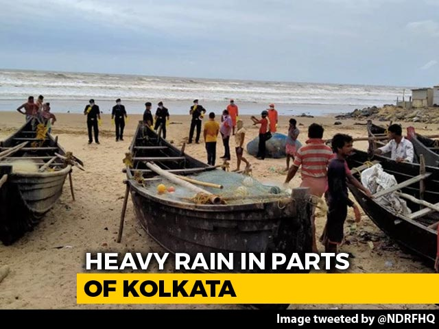 Video : Heavy Rain, Gusts In Odisha, Bengal As Cyclone Amphan Nears