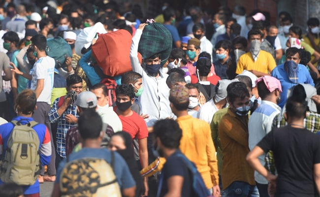 'Will Never Return': Thousands Of Migrants Line Up In Mumbai For Trains