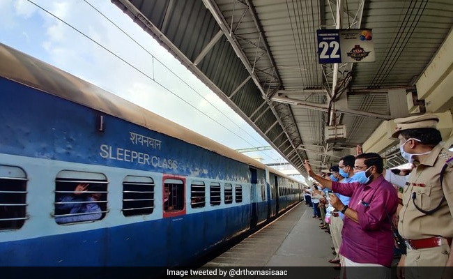 Centre's Order On States Collecting Migrants' Train Fare Upsets Opposition