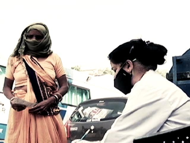 Video: Along With Dry Ration Kits, HelpAge India Provides Mobile Medical Services
