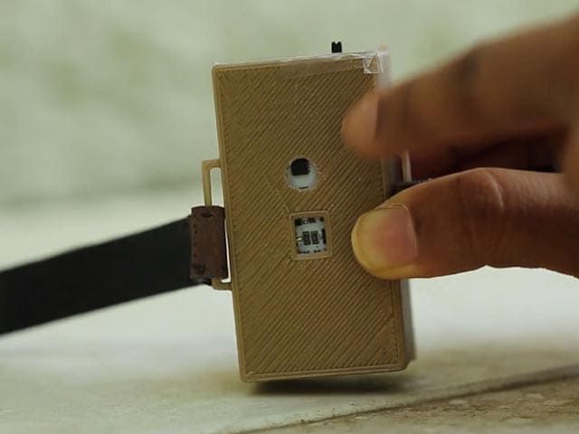 Video : A Band to Prevent You From Touching Your Face!
