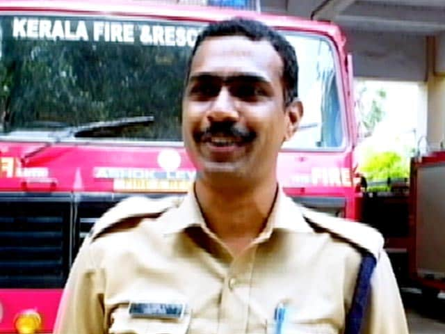 Video : In Kerala, Firefighters Carry Essential Medicines To COVID-19 Hotspots