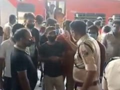No Food, Dirty Toilets: Migrants On Special Train Protest At Bengal Station