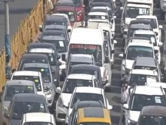 Huge Jam As Ghaziabad Seals Border With Delhi Again Over Virus Spike