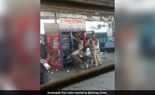 Migrants Ransack Food Dispensing Machine At Railway Station In Madhya Pradesh, Say Officials