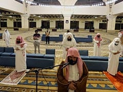 Saudi Reopens Mosques After Over 2 Months With Strict Regulations