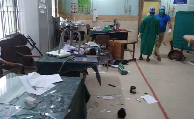 बंगाल में महिला की मौत से आकोशित परिजनों और स्थानीय लोगों ने अस्पताल में किया तोड़फोड़