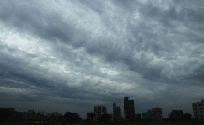 Strong Winds, Stay Inside: Officials As Cyclone Amphan Heads For Kolkata
