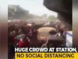 Video : Sea Of Bihar Migrants Outside Mumbai's Bandra Station, Few Make It To Train